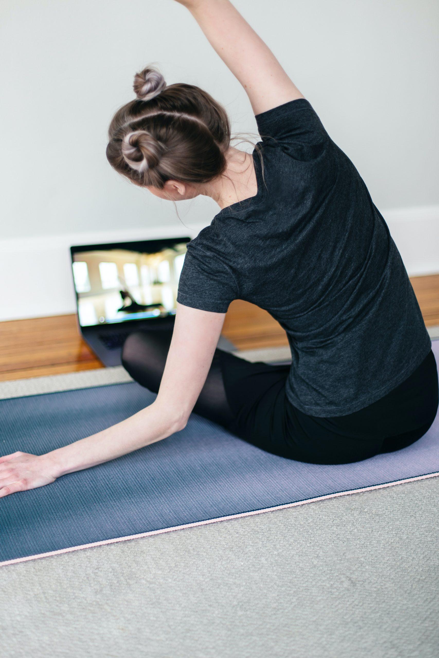 Yoga online vs. yoga online… live!